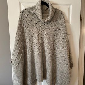 Roots poncho